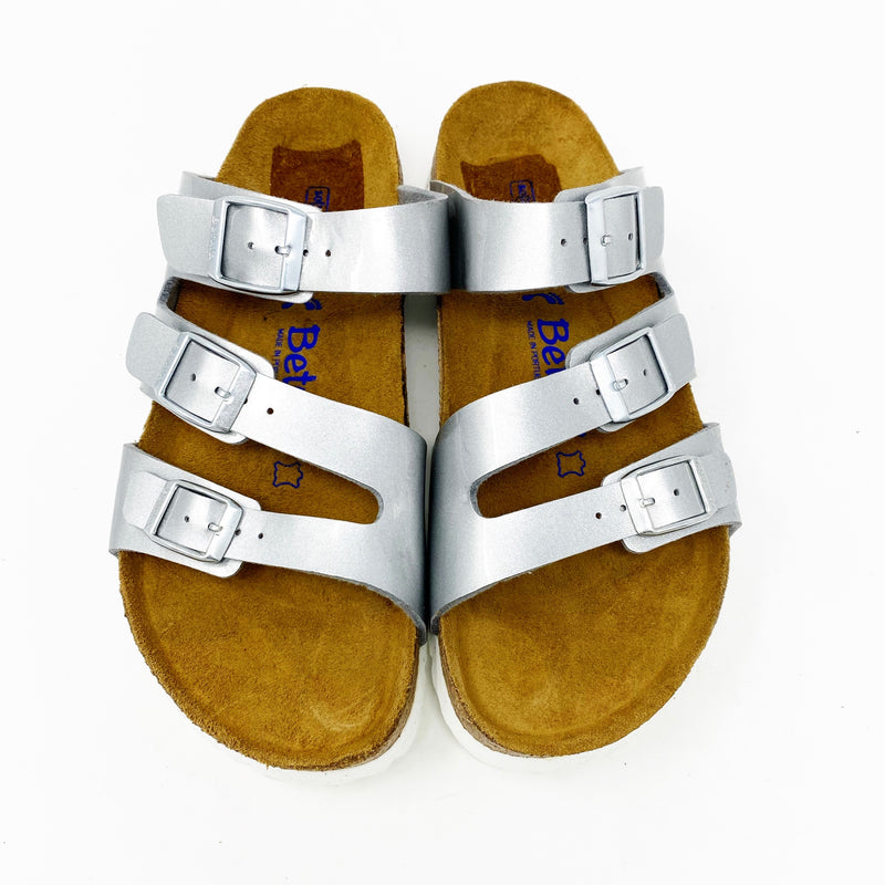 Betula by Birkenstock Leo Soft Footbed Slide, Silver size 39 narrow