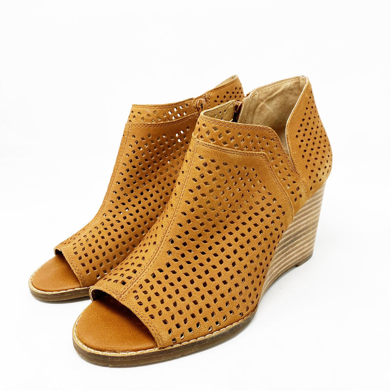 Lucky Brand Jazley Wedge Bootie, Brown size 7