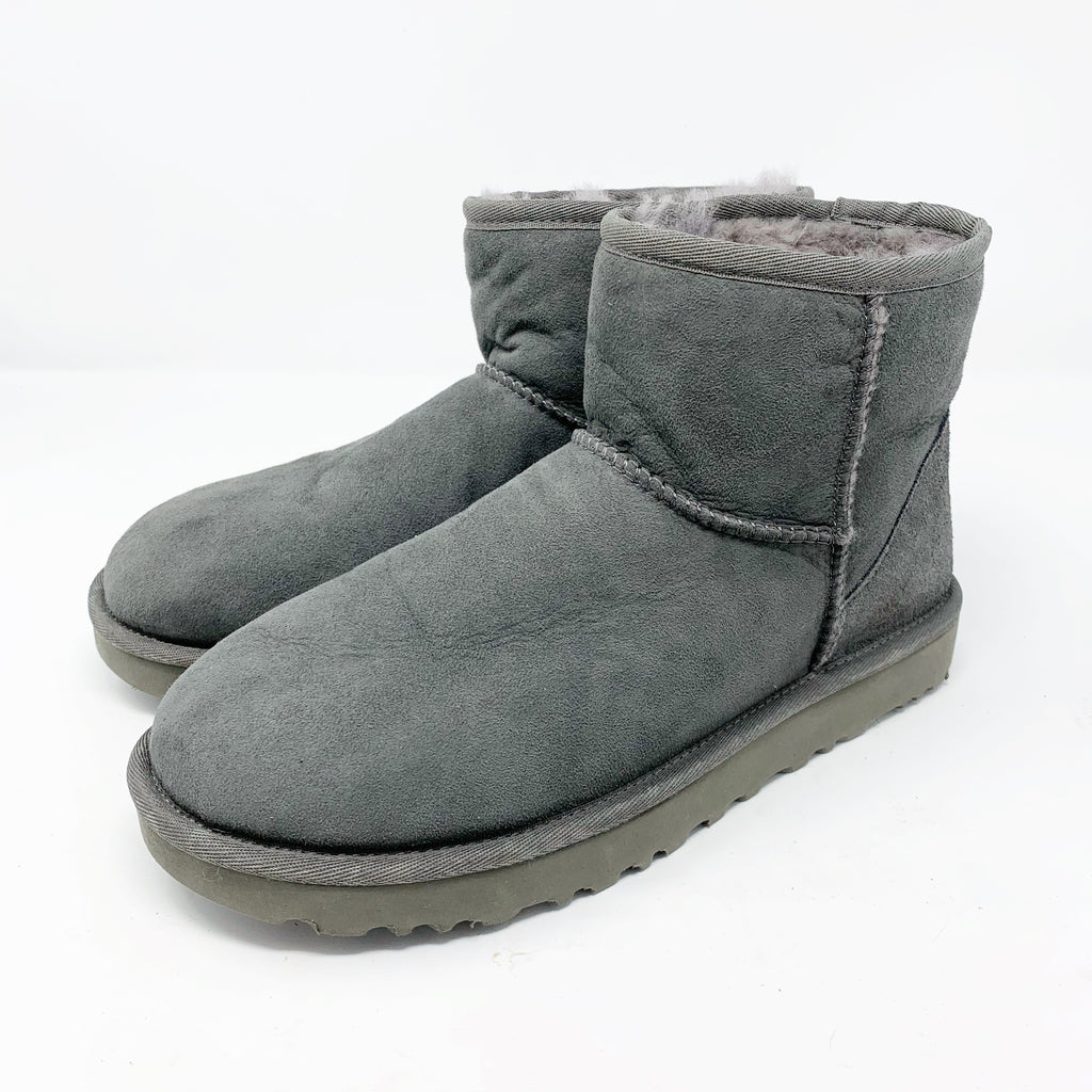 UGG Classic mini II Genuine Shearling Lined Boot, Gray size 8