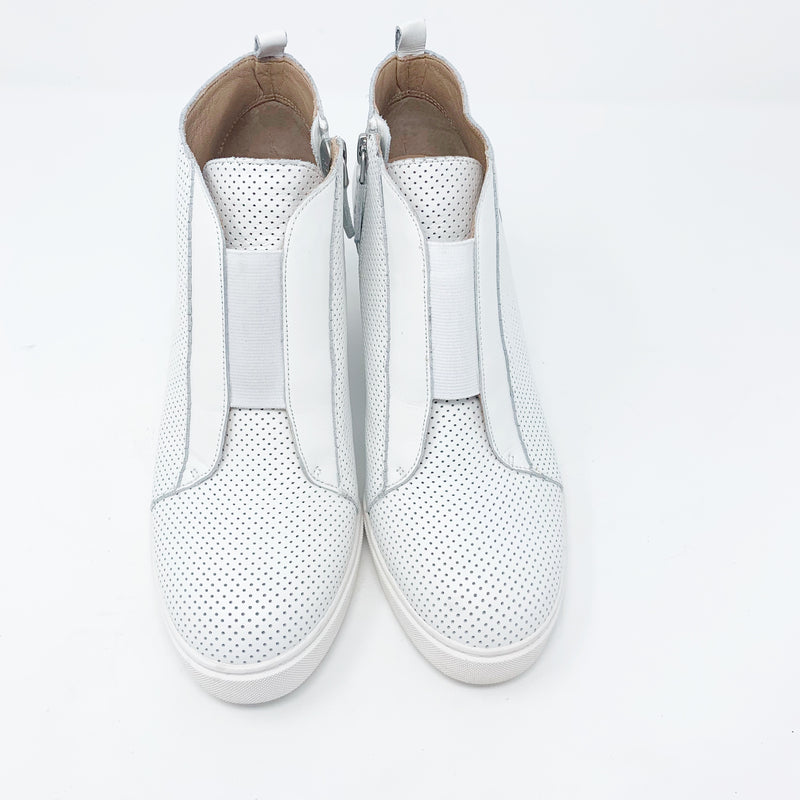 Linea Paolo Felicia Wedge Bootie, White Size 7.5