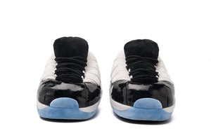SnugSneakers GOAT 11 Ice