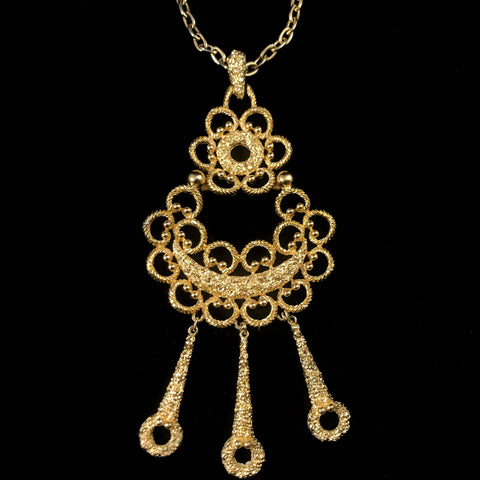1960s Crown Trifari Gold Necklace
