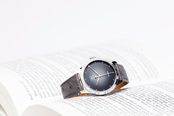 Monde automatique homme noire cuir made in France atom akrone