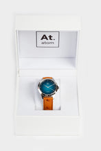 Charger l'image dans la galerie, Montre automatique homme bleu lagoon cuir made in France atom