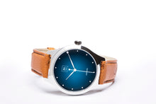 Charger l'image dans la galerie, Montre automatique homme bleu lagoon made in France atom