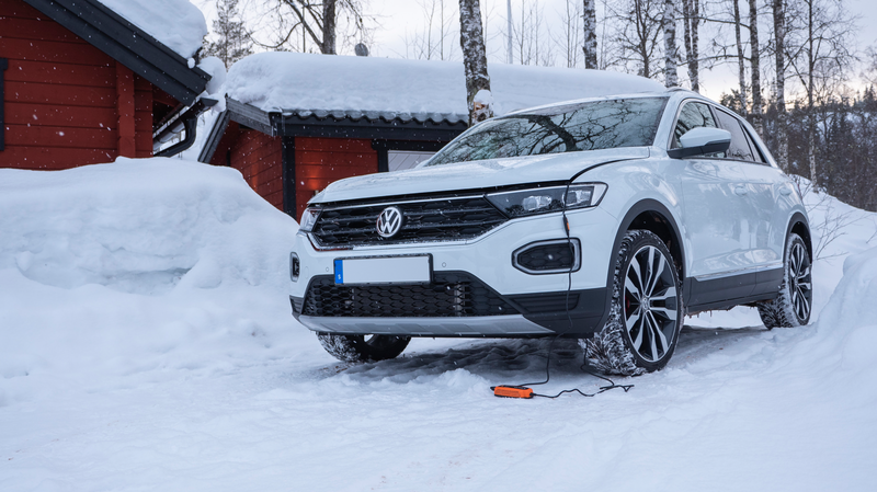 Gift Guide 2019: Chargers for Winter Vehicles
