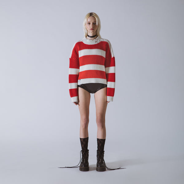Cropped round neck sweater in knit with neogrunge stripes