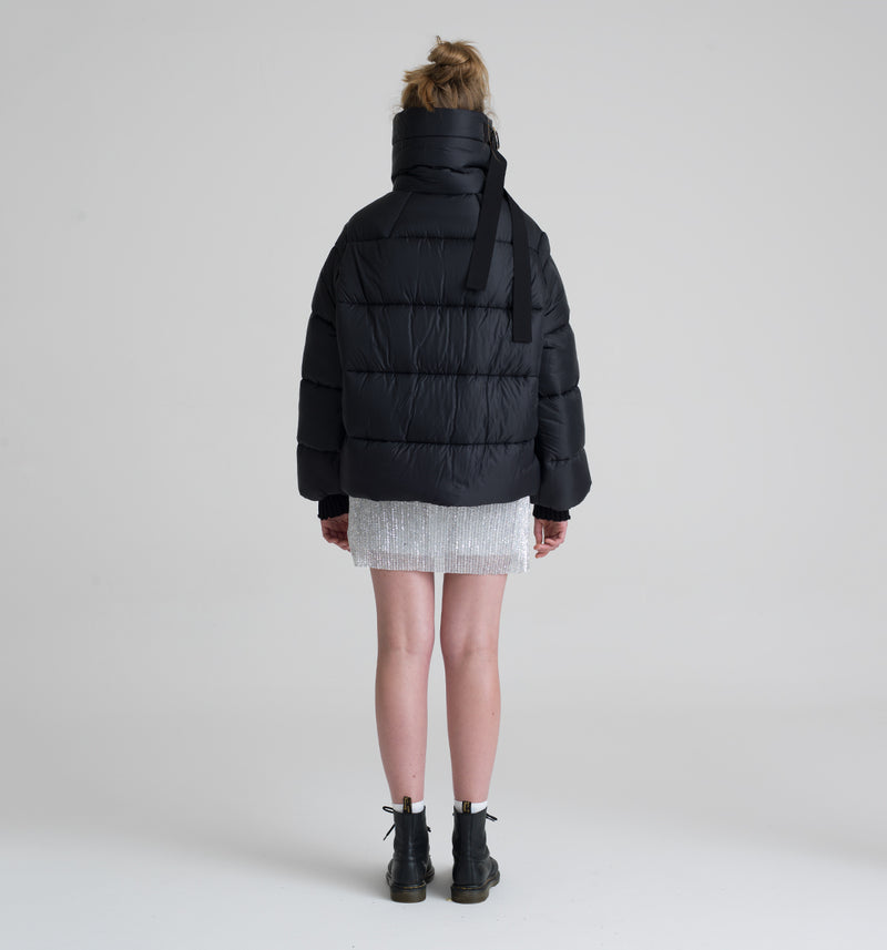 OREGON BLACK SHORT DOWN JACKET
