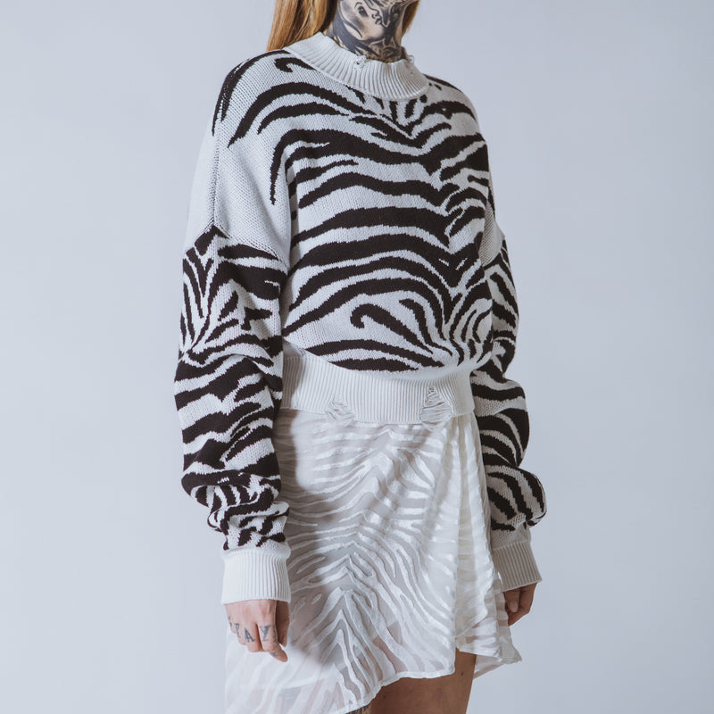 Courtney cropped white/black tiger jumper