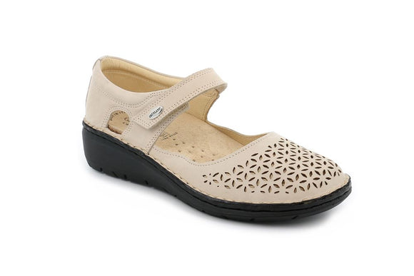 Womens Italian Beige Shoes