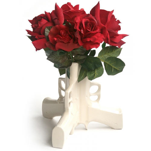 suck-uk-3-guns-vase-with-roses