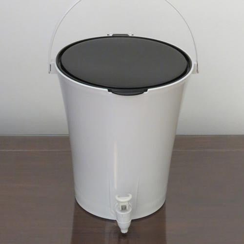 urban-city-kitchen-composter-starter-kit