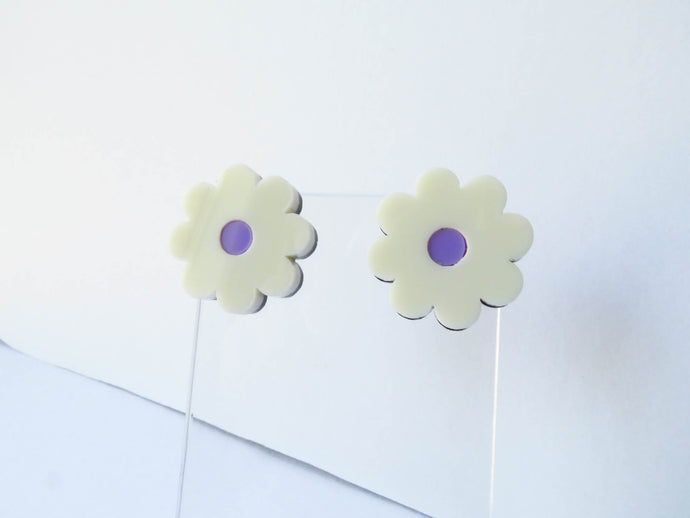 Cream Mauve Flower Stud Earrings