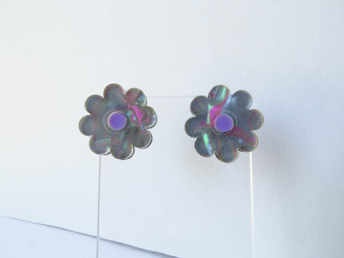 Iridescent Shell Flower Stud Earrings