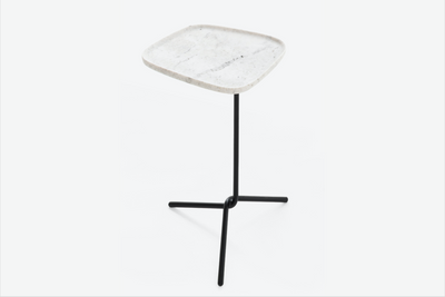 CARBONO 424 - SIDETABLE - M