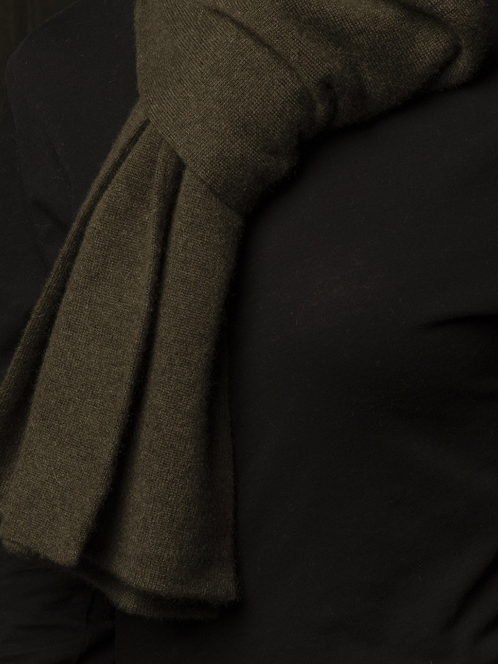 Classic Cashmere Scarf_Hunter Heather