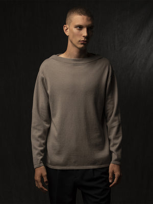Men Boat Neck Sweater_Pebble