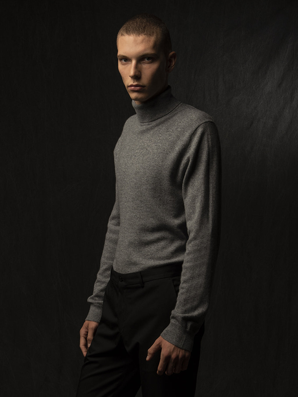 Men Turtleneck Sweater_Deep Grey