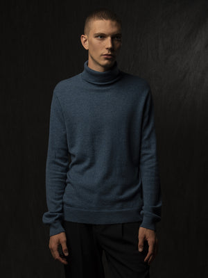 Men Turtleneck Sweater_Dust Blue