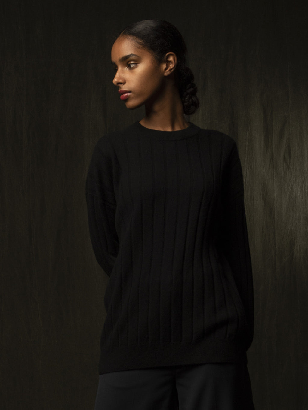 Ribbed Crew Neck Sweater_Black