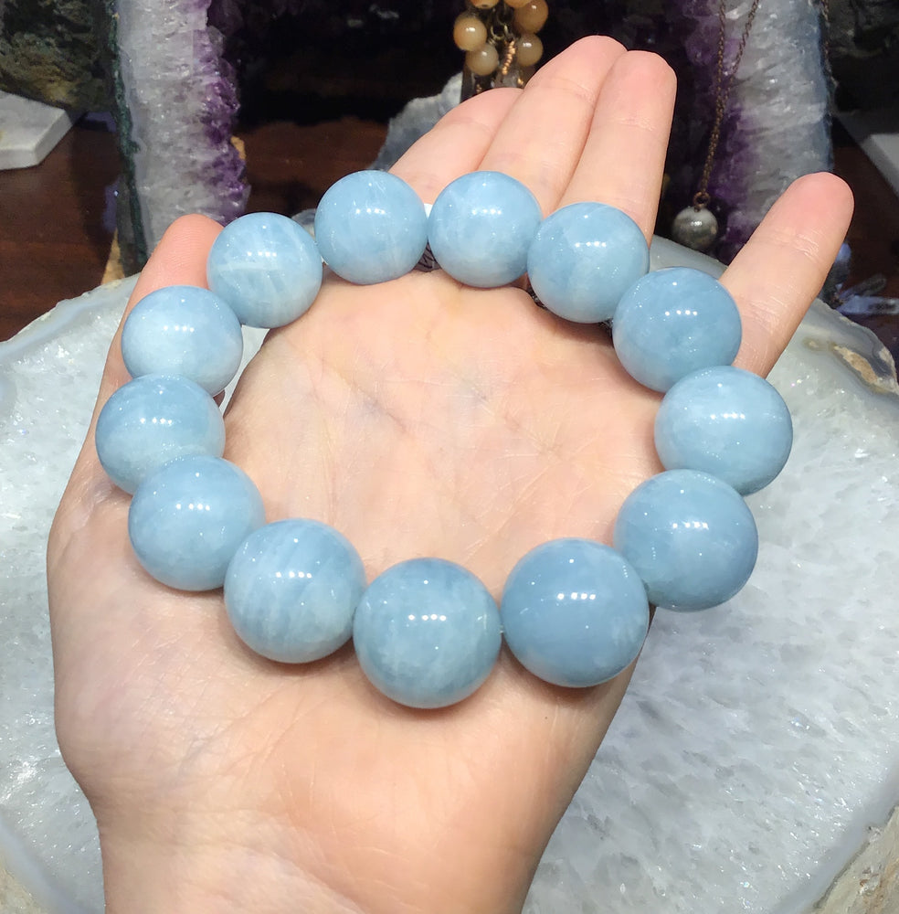 18mm Blue aquamarine gemstone bracelet stunning!!