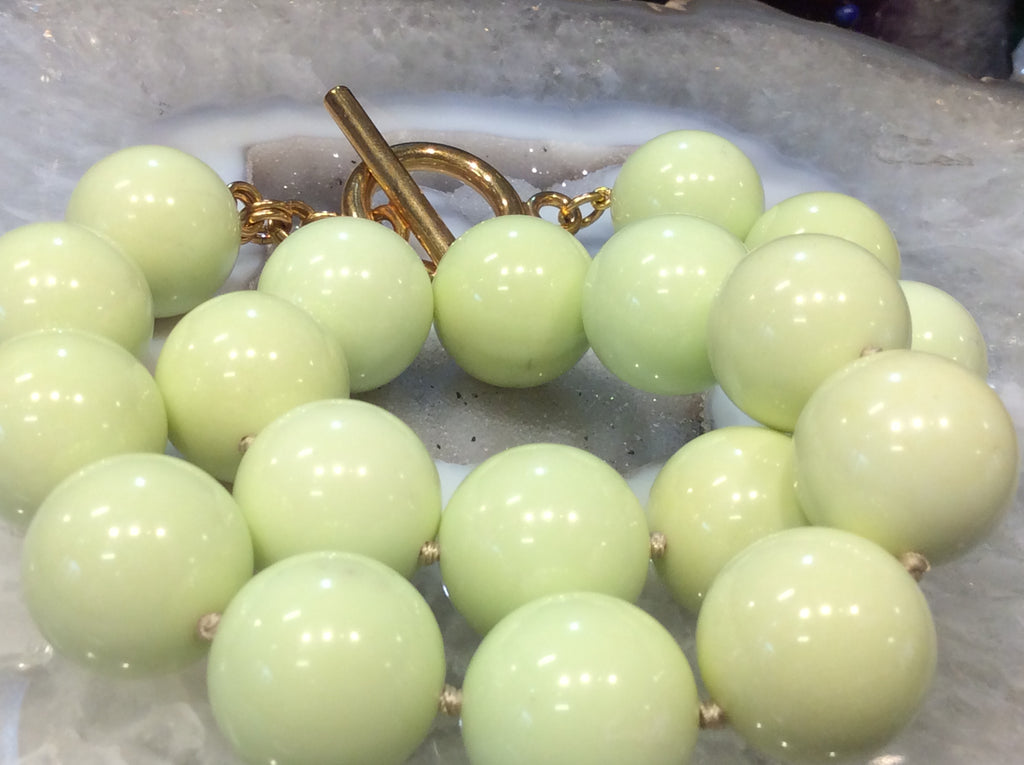 Exquisite lemon magnesite gemstone necklace   Wow!!!!