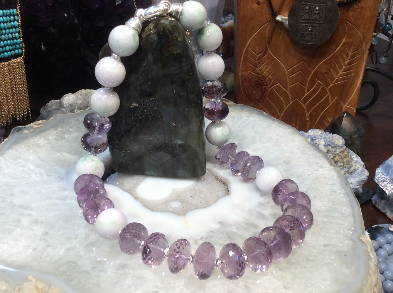 Lavender jade & faceted amethyst gemstone necklace stunning!!!