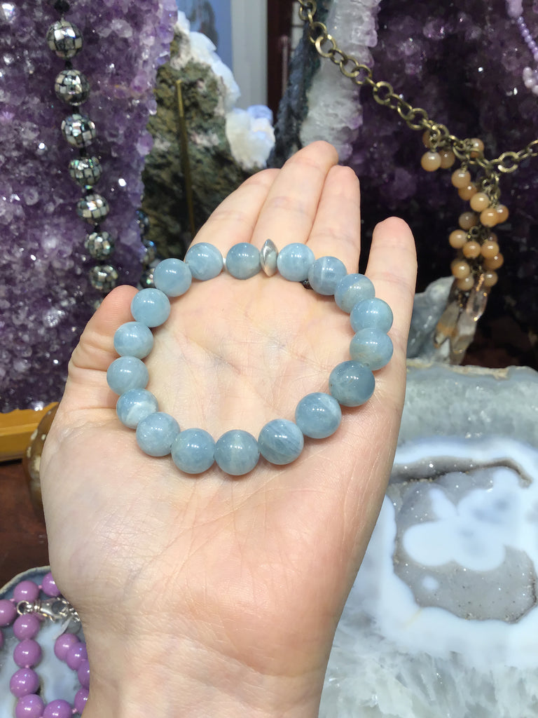 Blue aquamarine gemstone bracelet
