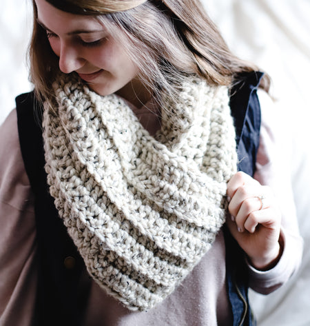 Chunky Triangle Cowl, Pocket Cowl