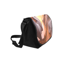 Canyon Saddle Purse