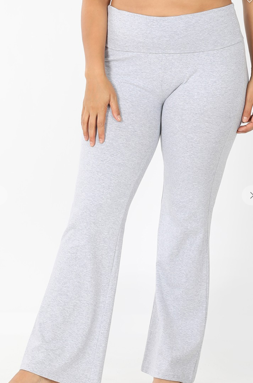 Plus Size Yoga Flare Leggings in Heathered Grey