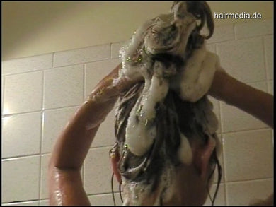 1061 Heather 2 Shower Shampooing 9 min video for download
