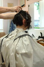 Load image into Gallery viewer, 8071 MelanieC 3 cut by old barber in barbershop