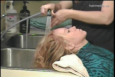 1061 Mandy 1 backward kitchen sink shampooing 17 min video for download