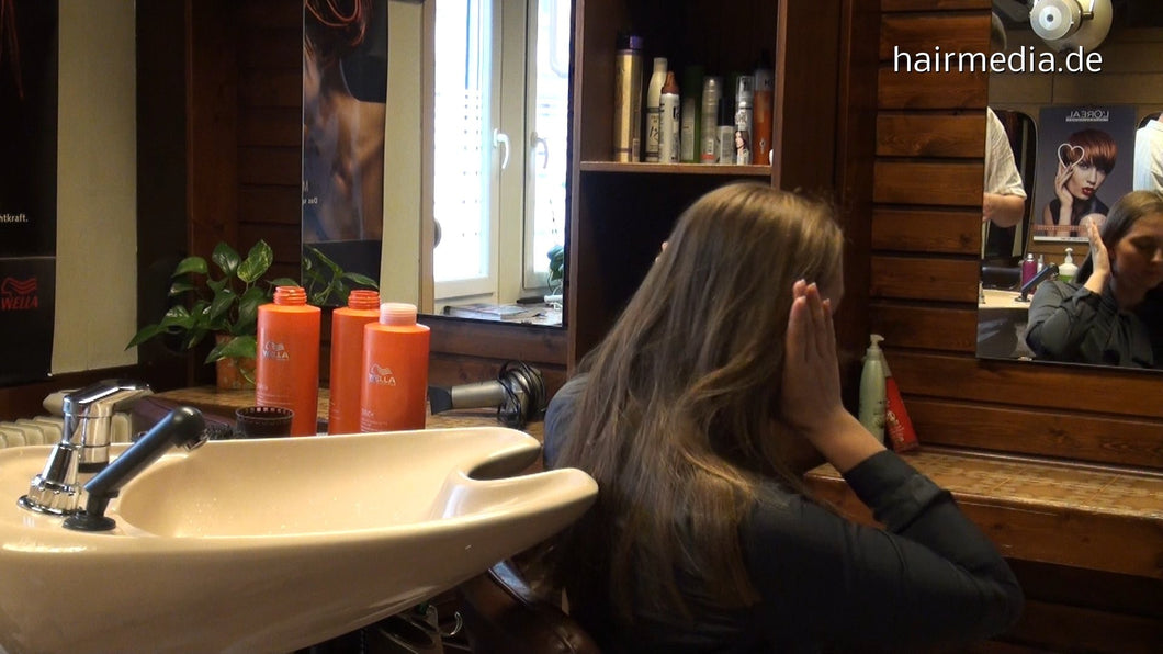 325 NicoleF shampooing by hobbybarber bwd 42 min HD video for download