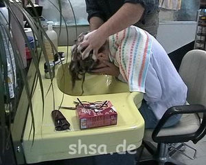 735 Daniela forward shampooing 7 min video for download