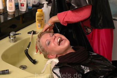 3 Sydney by Lena 7 min shampooing video for download