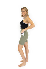 Load image into Gallery viewer, Shaper Move Shorts + Pockets - Olive