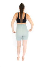 Load image into Gallery viewer, Emama Maternity Bike Shorts + Pockets - Spearmint