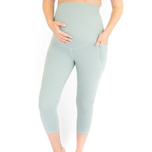 Load and play video in Gallery viewer, 3/4 Maternity Leggings + Pockets - Spearmint