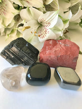 Load image into Gallery viewer, Root Chakra Stone Set