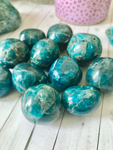 Load image into Gallery viewer, Blue Apatite Stone