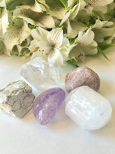 Load image into Gallery viewer, Crown Chakra Stone Set