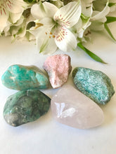 Load image into Gallery viewer, Heart Chakra Stone Set