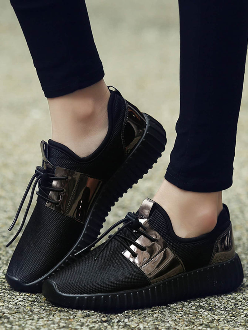 Men Metallic Detail Lace Up Sneakers