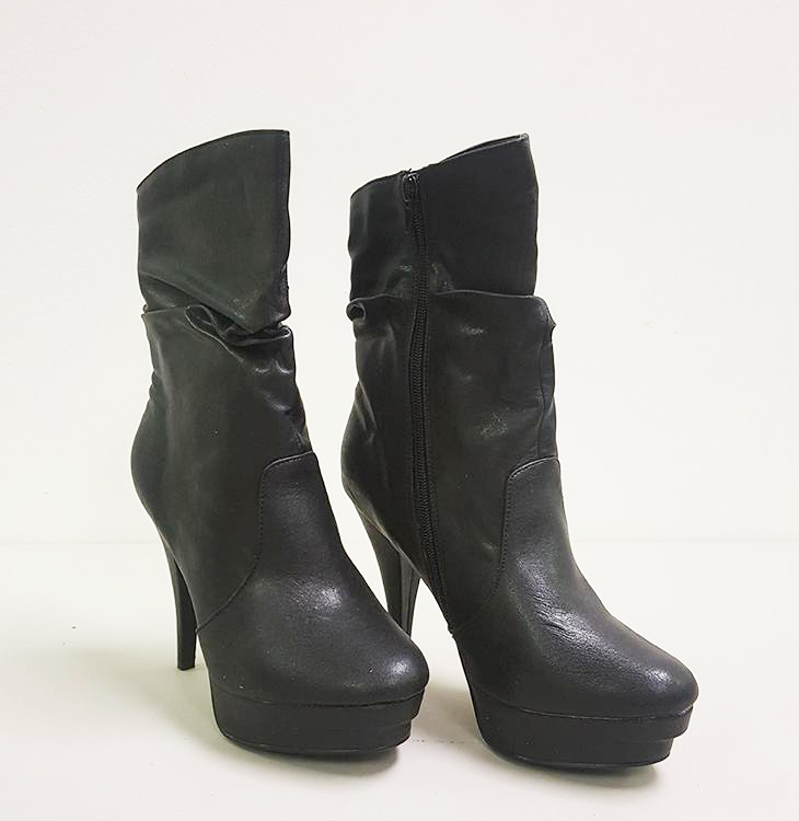 LILIANA HIP SLOUCH ANKLE BOOT (SAMPLE)