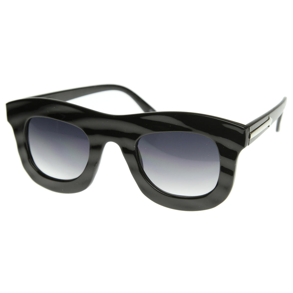 GET WAVY WAYFARER SUNGLASSES IN SHINY BLACK AT FLYJANE