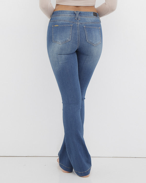 HANDLE WITH FLARE Medium Wash Denim Jean at FLYJANE | Vintage Flare Jeans under $50 | Awesome Jeans for Teens at FLYJANE | @FlyJane on Instagram