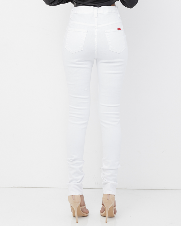 STRICTLY BUSINESS DISTRESSED SKINNY JEAN