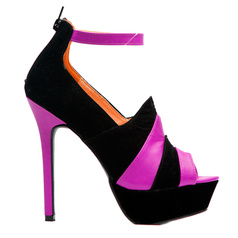 Shoe Republic LA Calgary Scalloped Heels in Black at FLYJANE